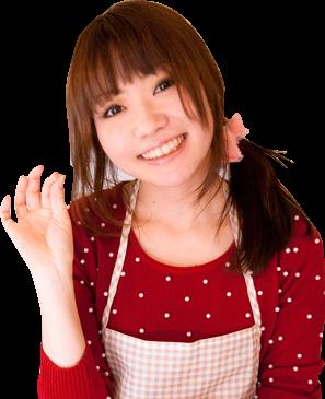 エプロンを着た茶髪の若い女性の写真